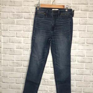 NWT Abercrombie & Fitch Zipper Skinny Jean
